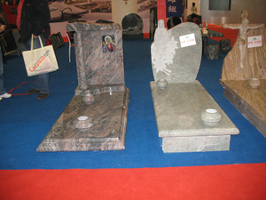 Customize Design European Style Granite Tombstone and Monument